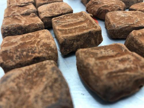 Sea_salt_cocoa_nibs_truffles